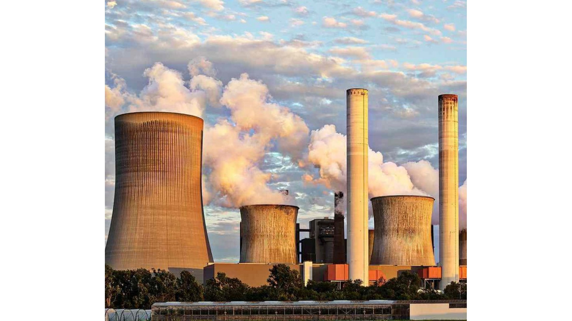 Purificator de aer mobil tip masca impotriva poluarii atmosferice si a particulelor PM 2.5
